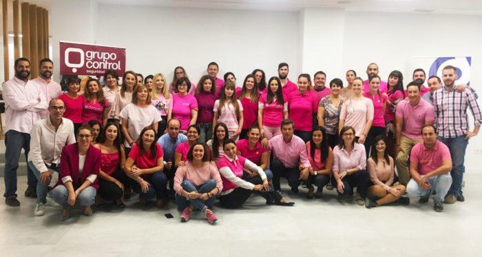 Grupo Control se viste de rosa para conmemorar